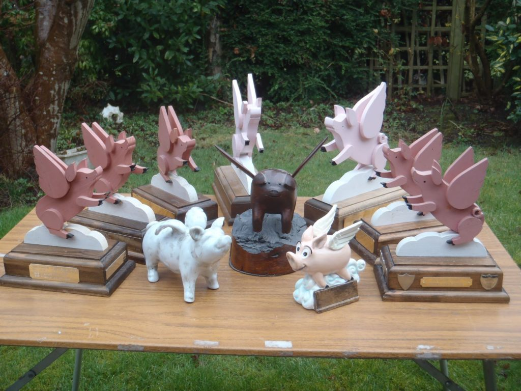 """The unique """"Flying Pig"""" trophies of the JOK Chasing Sprint"""